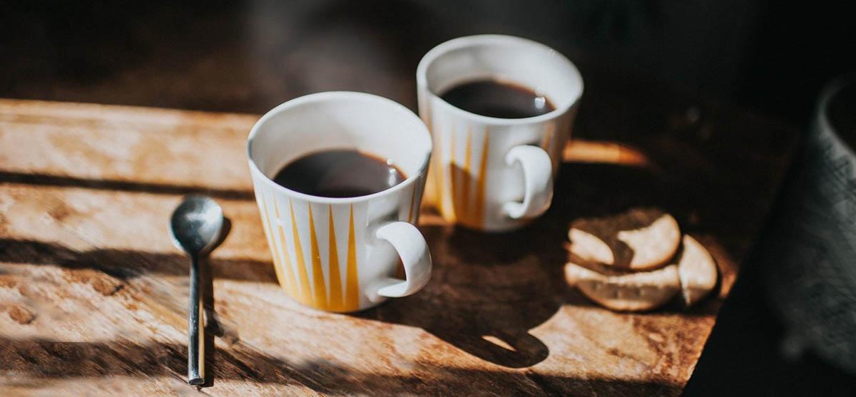 καφέ που χρονολογείται